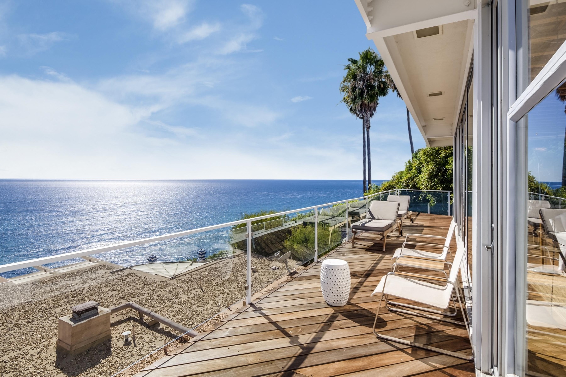 Condominio per Affitto alle ore Holiday House Malibu Lease 27400 Pacific Coast Highway #105 Malibu, California, 90265 Stati Uniti