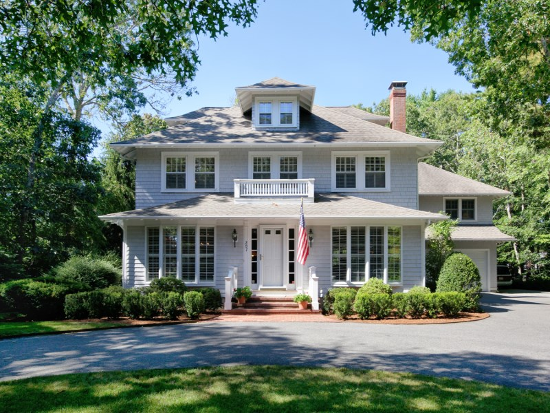 Single Family Home for Sale at Heart of Wianno 207 Wianno Avenue Osterville, Massachusetts 02655 United States