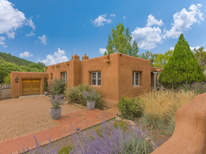 Single Family Home for Sale at 1523 Upper Canyon Road 1523 & 1514 Upper Canyon Road Santa Fe, New Mexico 87501 United States
