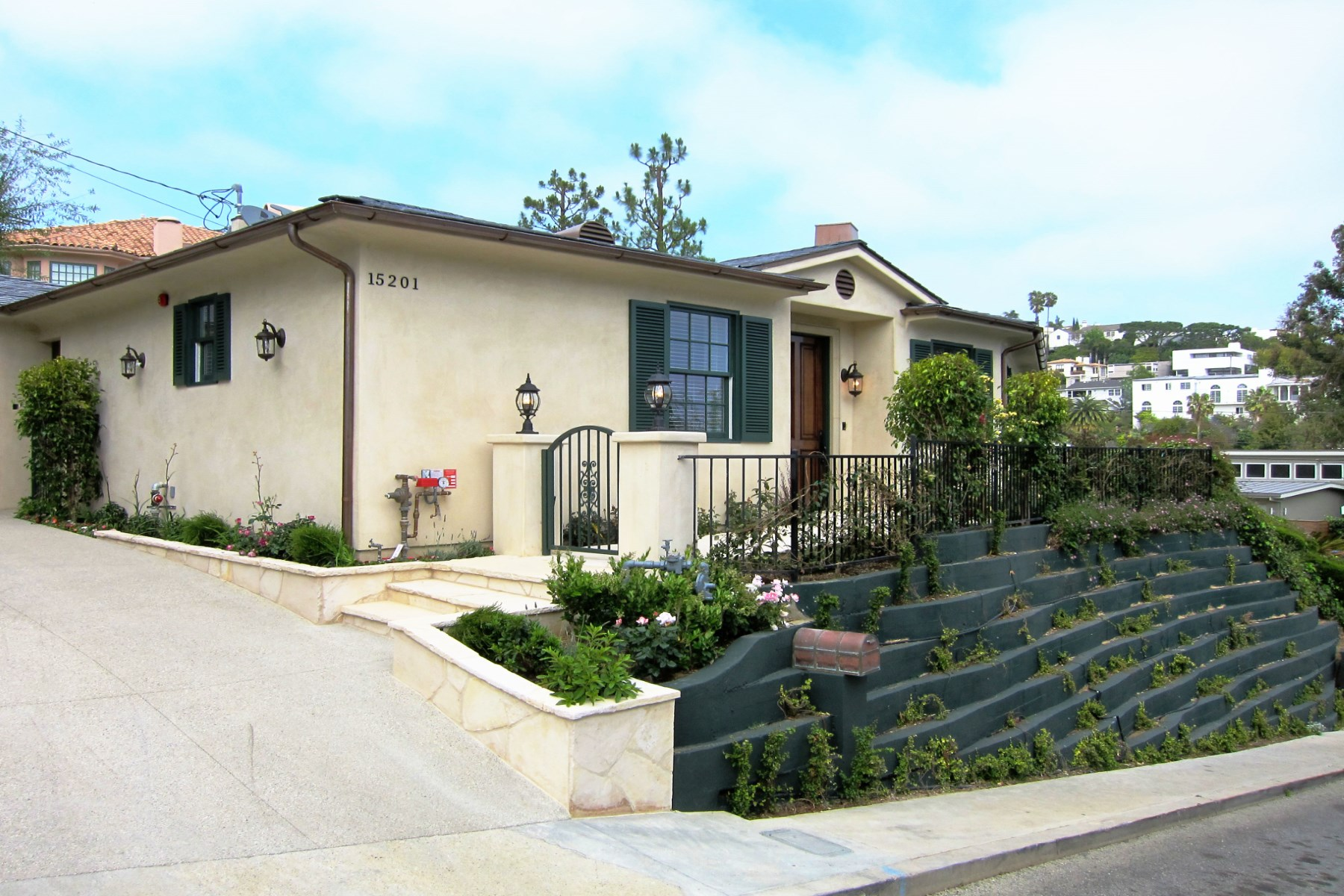 Single Family Home for Rent at 15201 Mckendree Avenue Pacific Palisades, California, 90272 United States