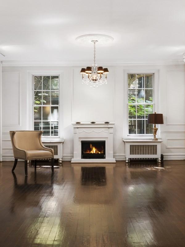 合作公寓 为 销售 在 166 East 78th Street 166 East 78th Street Apt 3b Upper East Side, New York, 纽约州 10075 美国