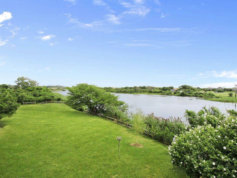 Property Of Immediate Ocean Access on Hook Pond