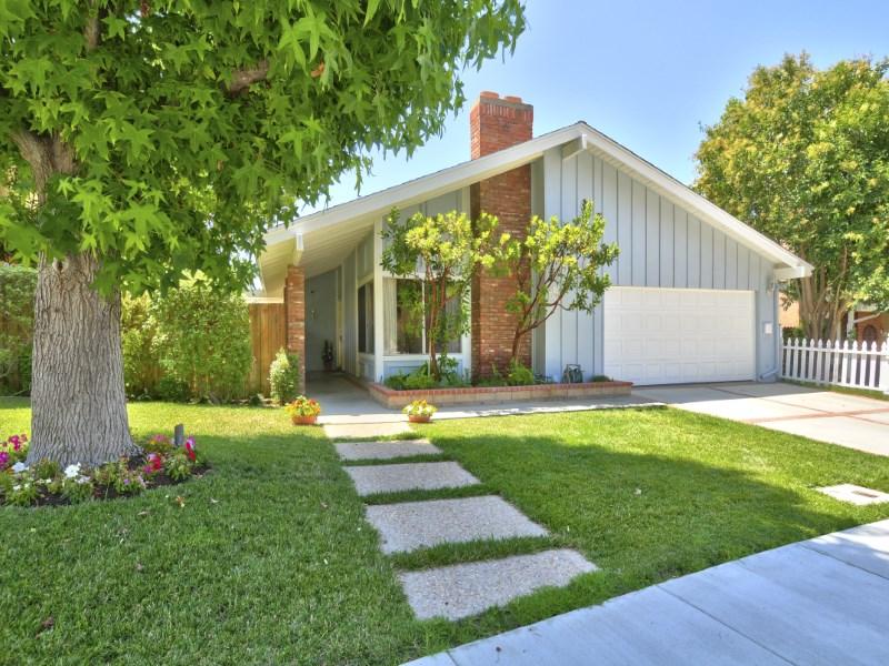 Maison unifamiliale pour l Vente à Peek a Boo View 1950 Rosewood Court Thousand Oaks, Californie 91362 États-Unis