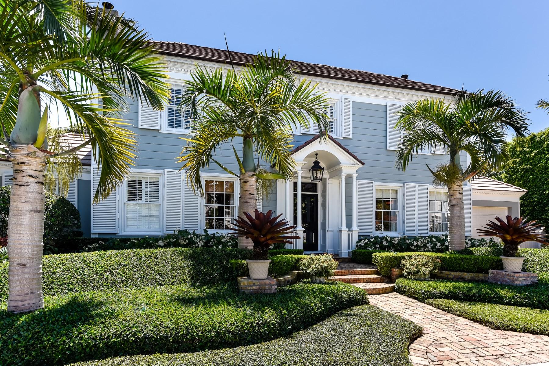 Nhà ở một gia đình vì Bán tại Pristine Pendleton Avenue 250 Pendleton Ave Palm Beach, Florida 33480 Hoa Kỳ