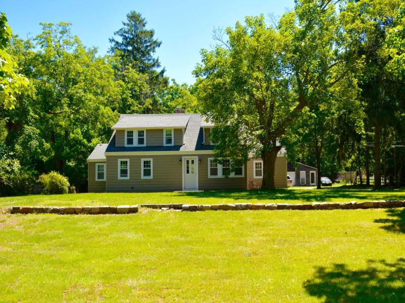 獨棟家庭住宅 為 出售 在 Over Two Acres Limited Business Zone 158 North Main Street East Hampton Village, East Hampton, 紐約州 11937 美國