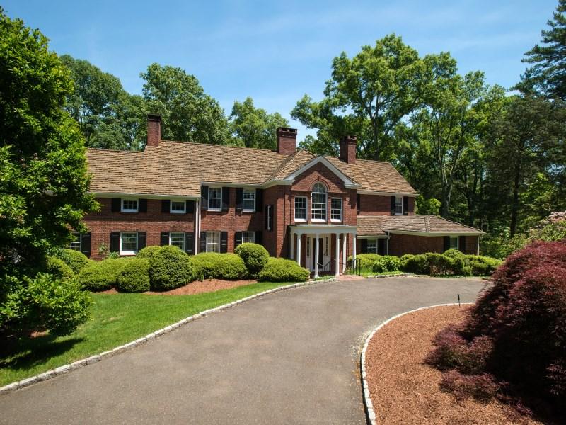 独户住宅 为 销售 在 Timeless Round Hill Estate 75 Round Hill Road Greenwich, 康涅狄格州 06831 美国