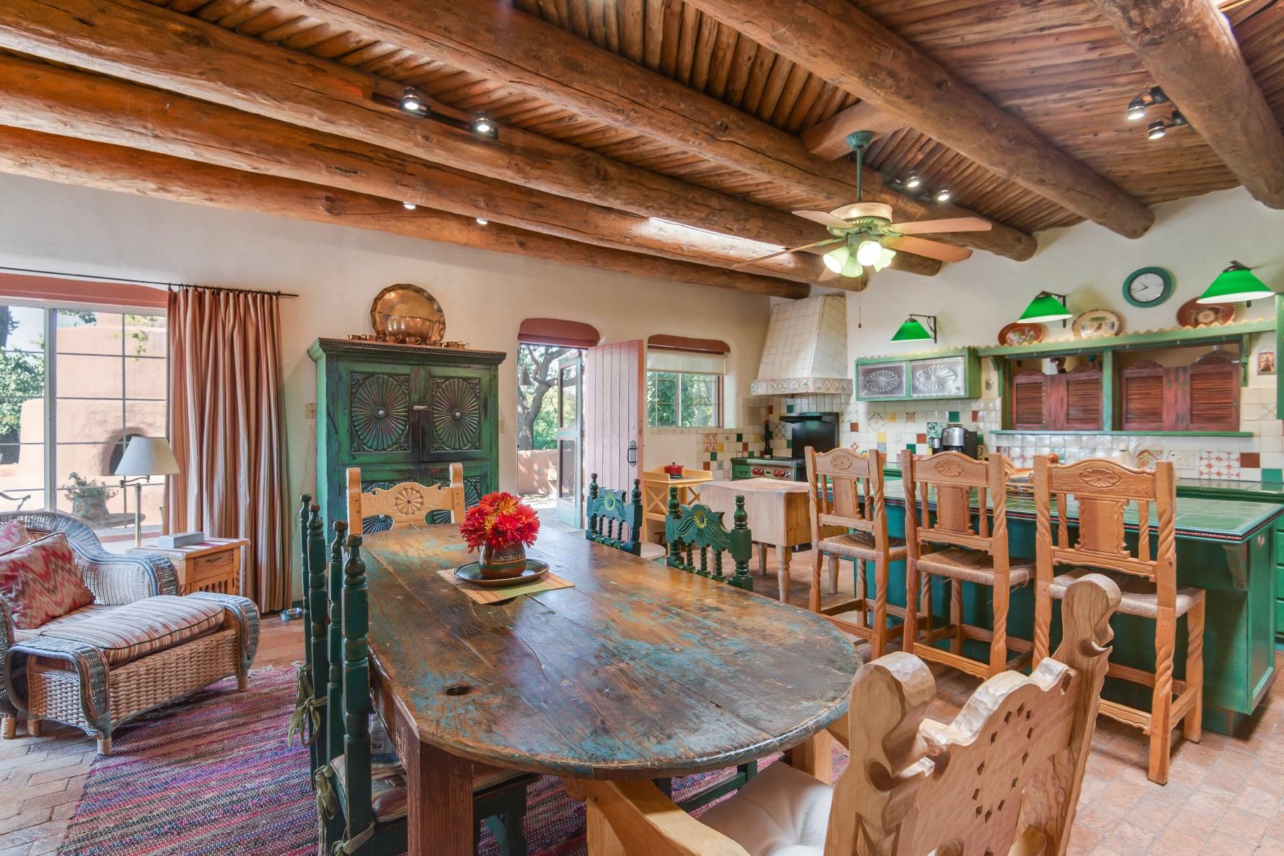 Nhà ở một gia đình vì Bán tại 120 County Road 40 Ohkay Owingeh, New Mexico, 87566 Hoa Kỳ