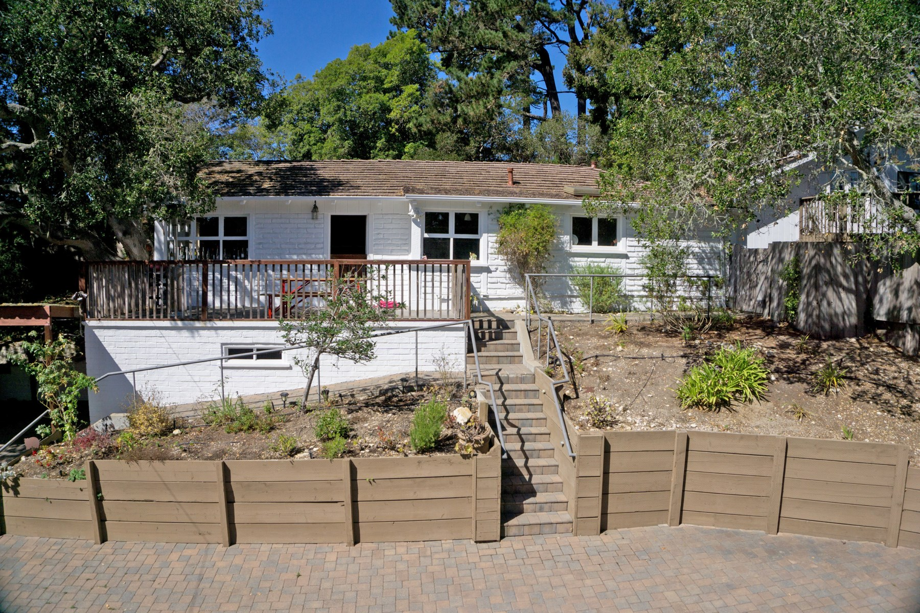 Tek Ailelik Ev için Satış at Remodeled Post- Adobe in Carmel Woods 24408 San Mateo Avenue Carmel, Kaliforniya, 93923 Amerika Birleşik Devletleri