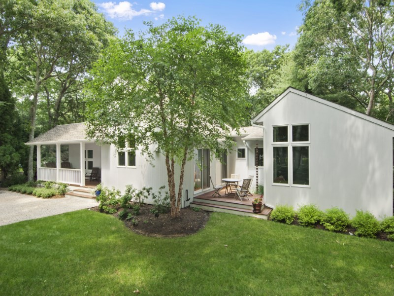 Tek Ailelik Ev için Satış at Bridgehampton North Just Listed Bridgehampton North, Bridgehampton, New York 11932 Amerika Birleşik Devletleri