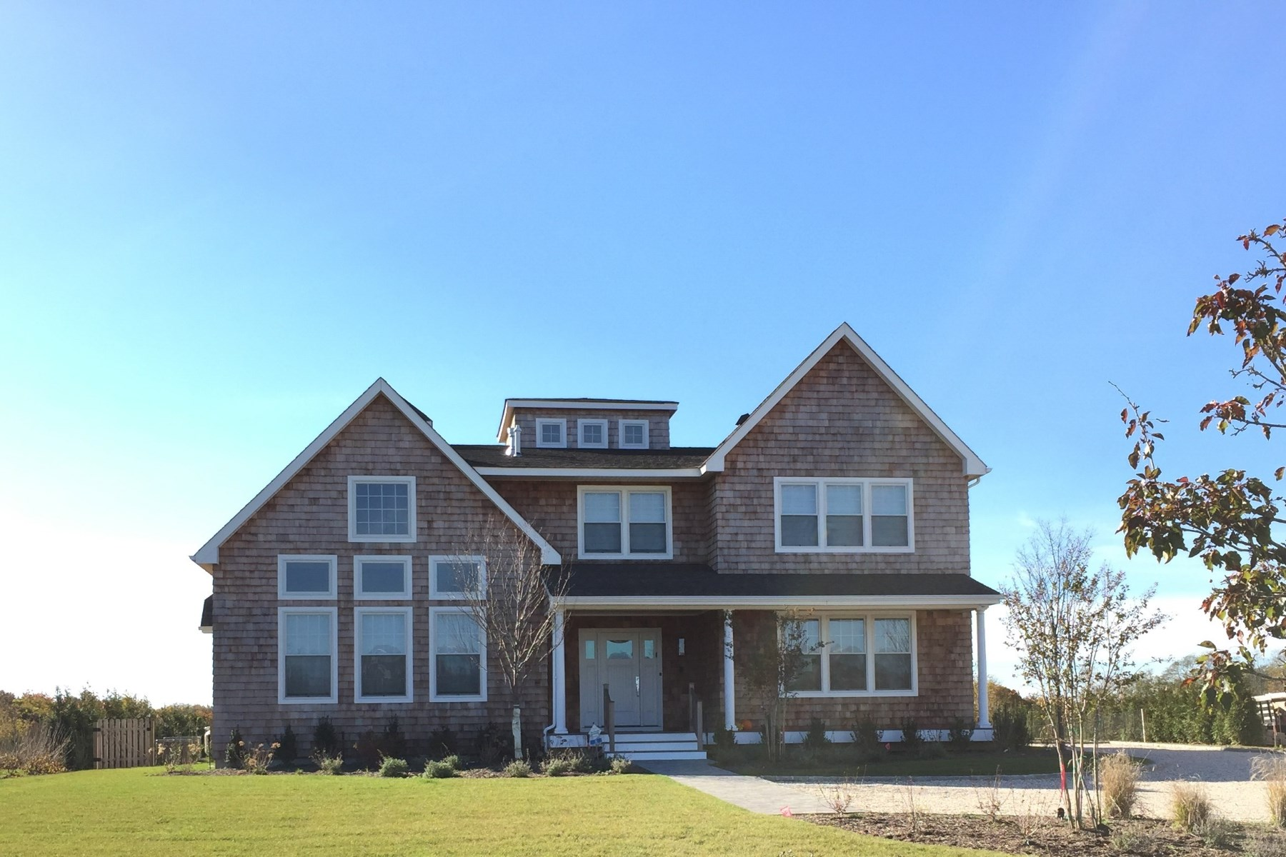 Villa per Vendita alle ore Southampton Meadows Estates - T Model 27 Summer Lane Lot #12 Southampton, New York 11968 Stati Uniti