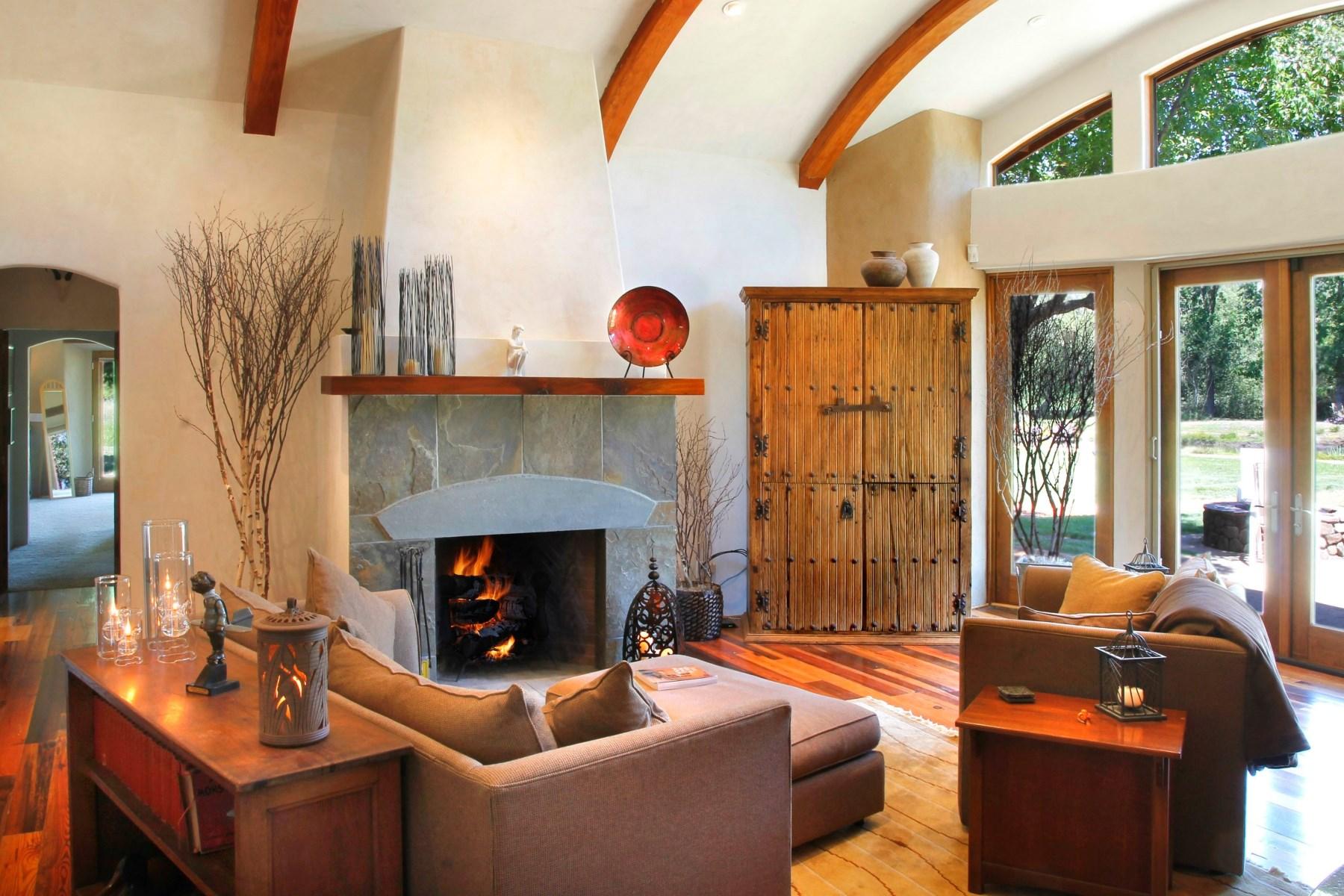 Частный односемейный дом для того Продажа на 325 Hoff Road Sonoma, Калифорния 95476 Соединенные Штаты