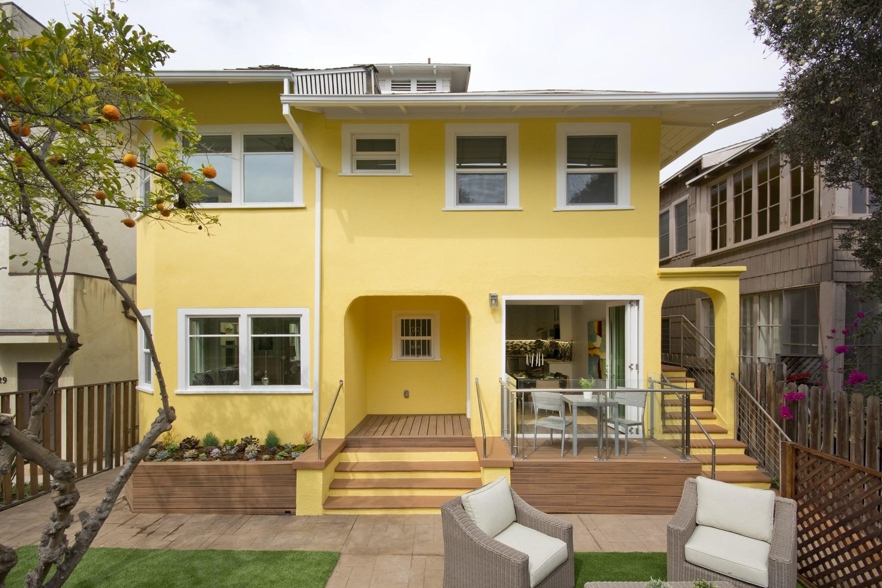 Apartamentos multi-familiares para Venda às Fabulous Tri-plex in Venice 31 Breeze Ave Venice, Califórnia, 90291 Estados Unidos