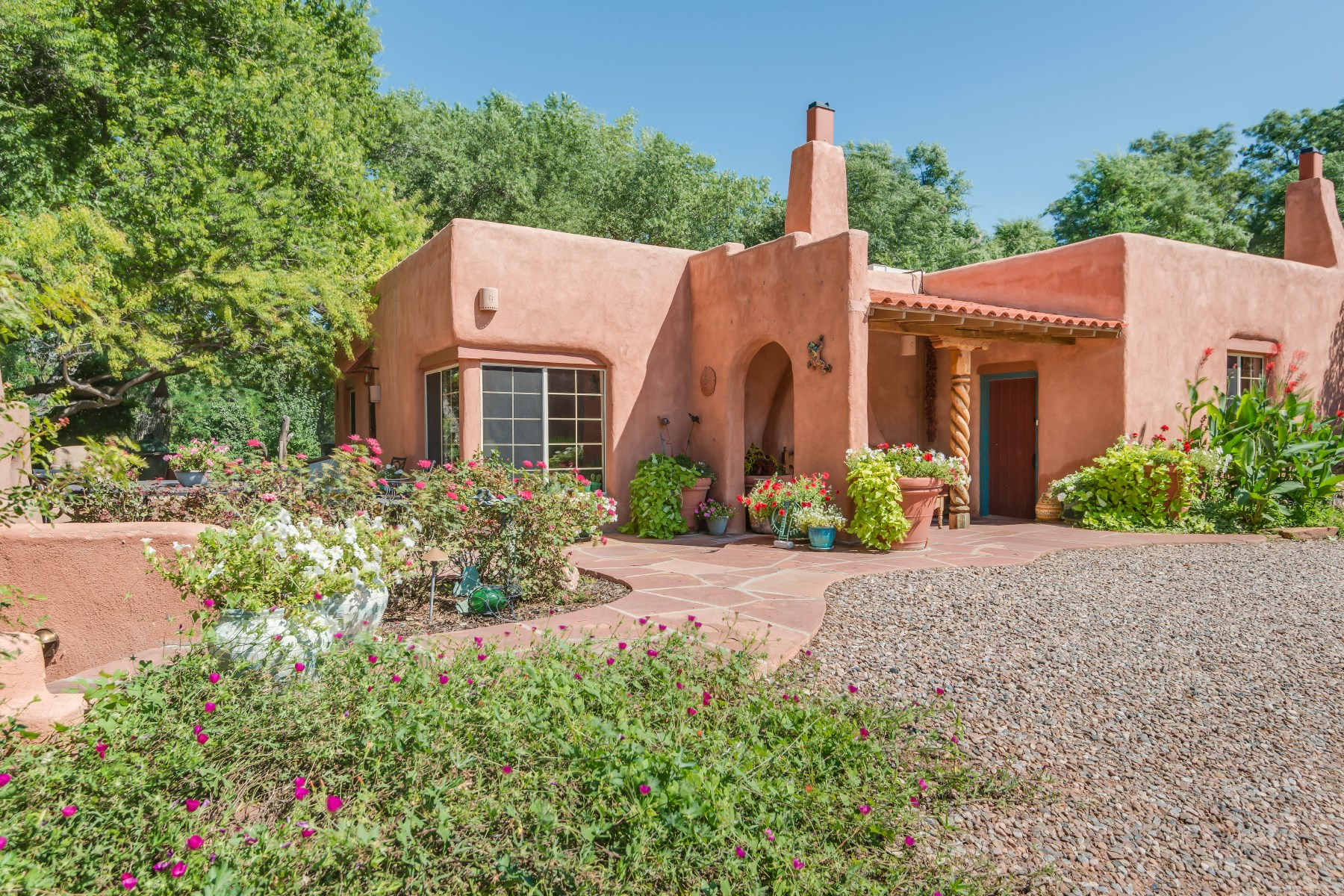 Single Family Home for Sale at 120 County Road 40 Ohkay Owingeh, New Mexico, 87566 United States