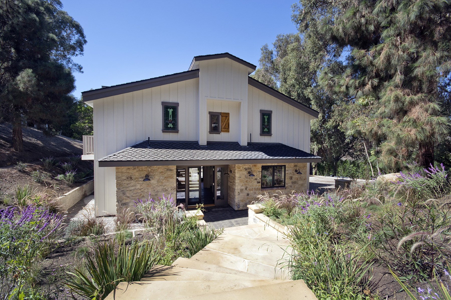 Moradia para Venda às Wonderful Modern Farmhouse in Malibu 6585 Portshead Road Malibu, Califórnia, 90265 Estados Unidos