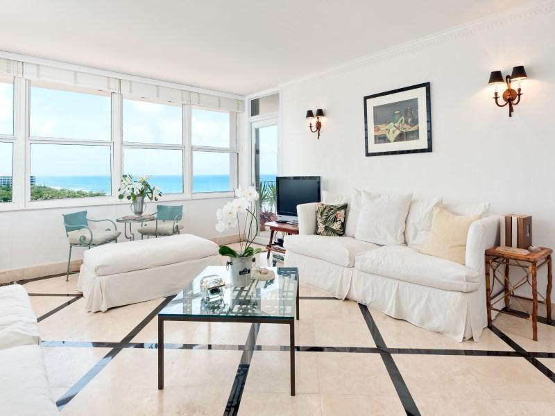 Condomínio para Venda às Cosmopolitan Provincial Pied-A-Terre 2295 S Ocean Blvd Ph21 Palm Beach, Florida 33480 Estados Unidos