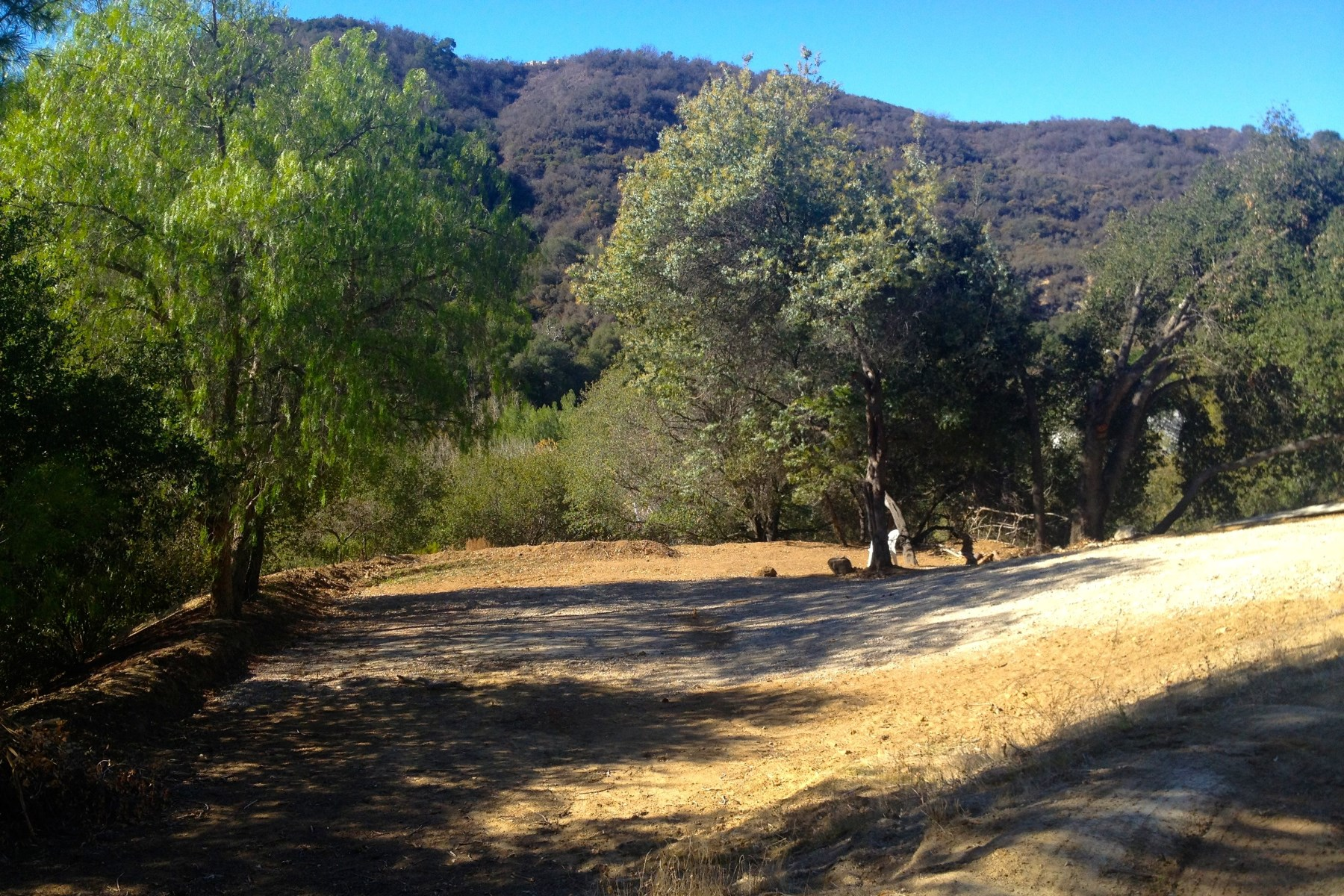 Terreno por un Venta en Beautiful Land with Massive Potential Topanga, California 90290 Estados Unidos