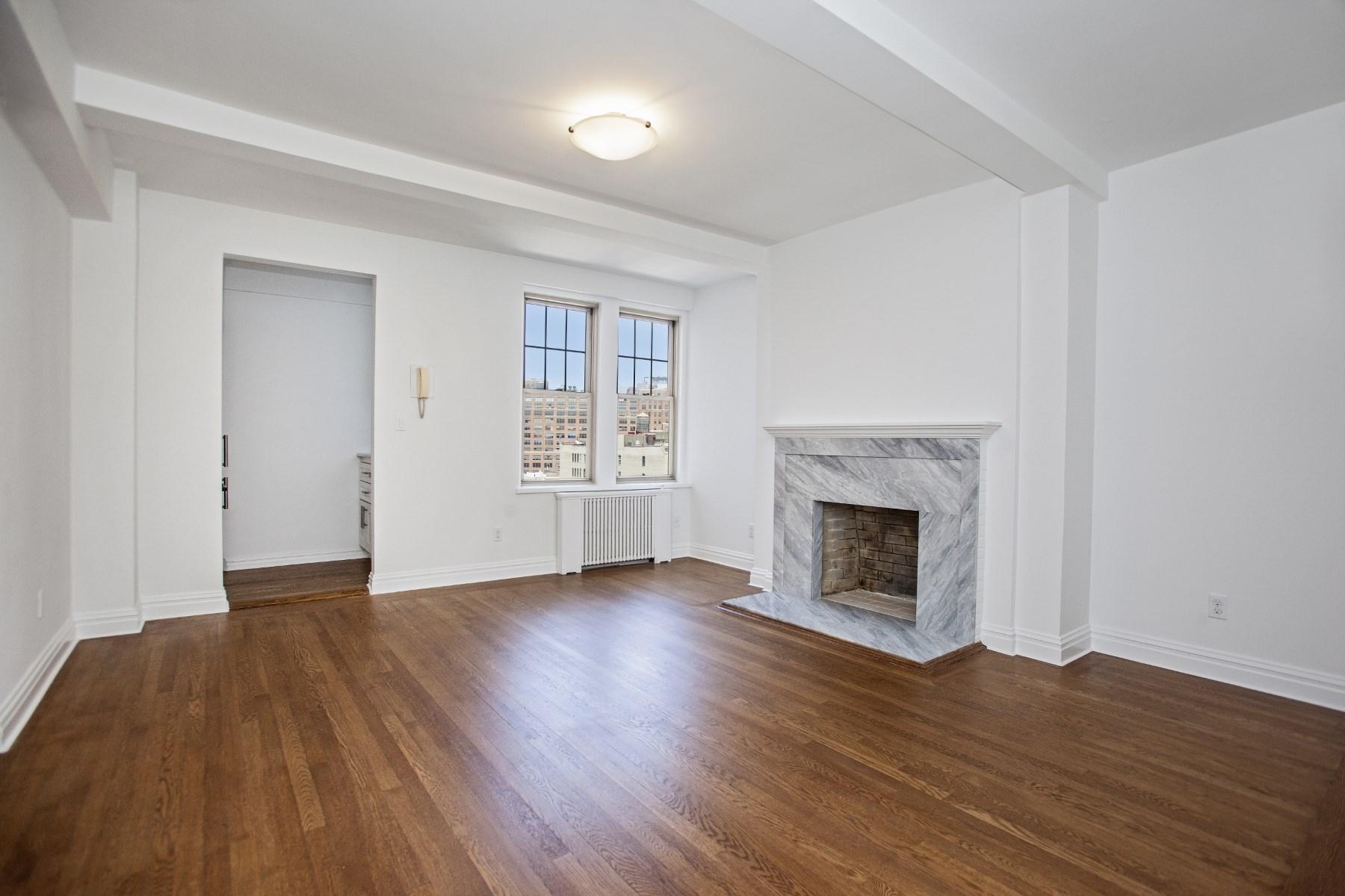 Kat Mülkiyeti için Satış at 299 West 12th Street 299 West 12th Street Apt 16a West Village, New York, New York 10011 Amerika Birleşik Devletleri