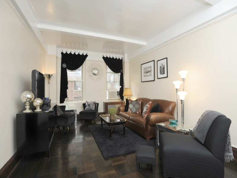 Cooperativa por un Venta en 24 Fifth Avenue, Apt 1012A 24 Fifth Avenue Apt 1012a Greenwich Village, New York, Nueva York 10011 Estados Unidos