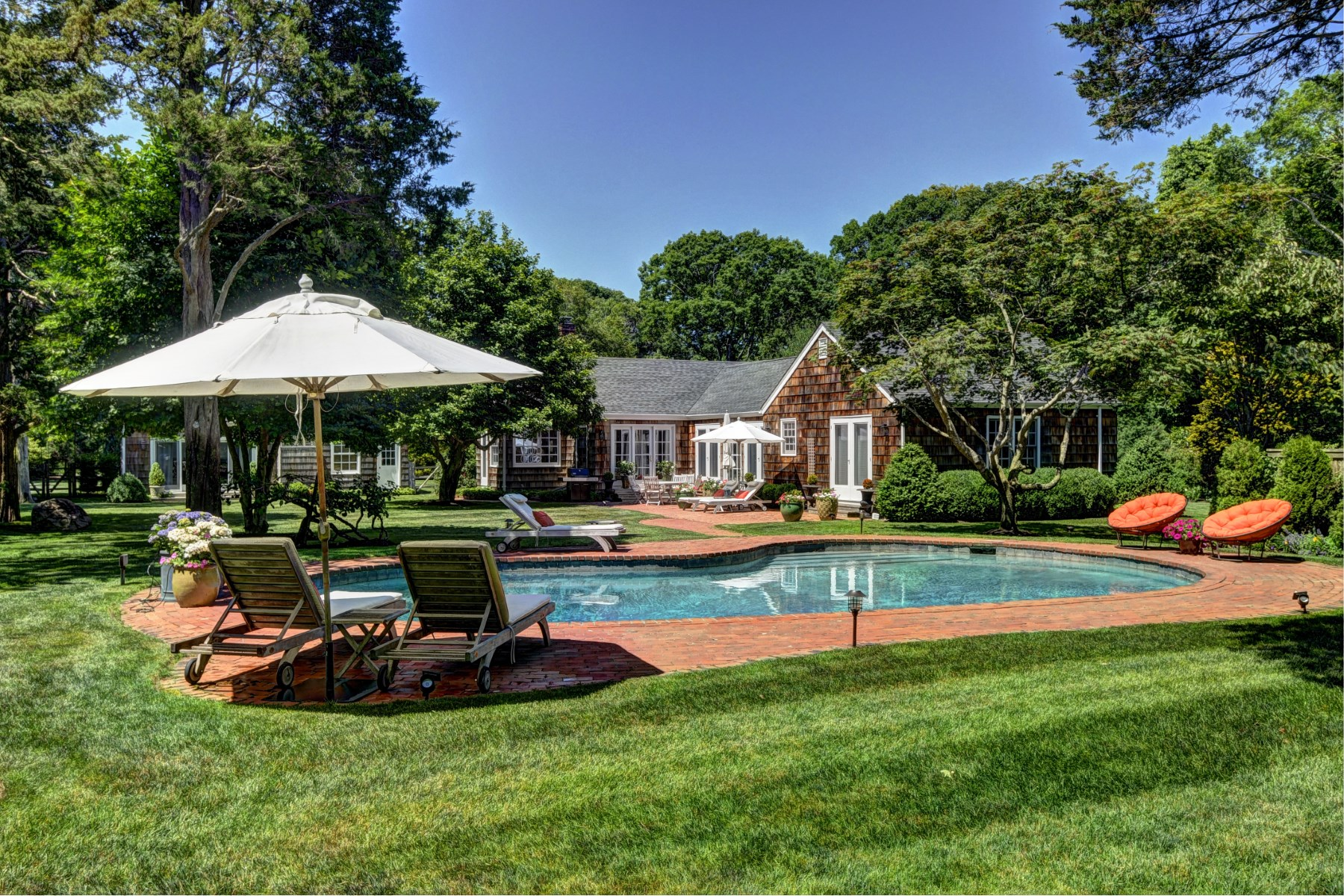Property Of Glamorous East Hampton South