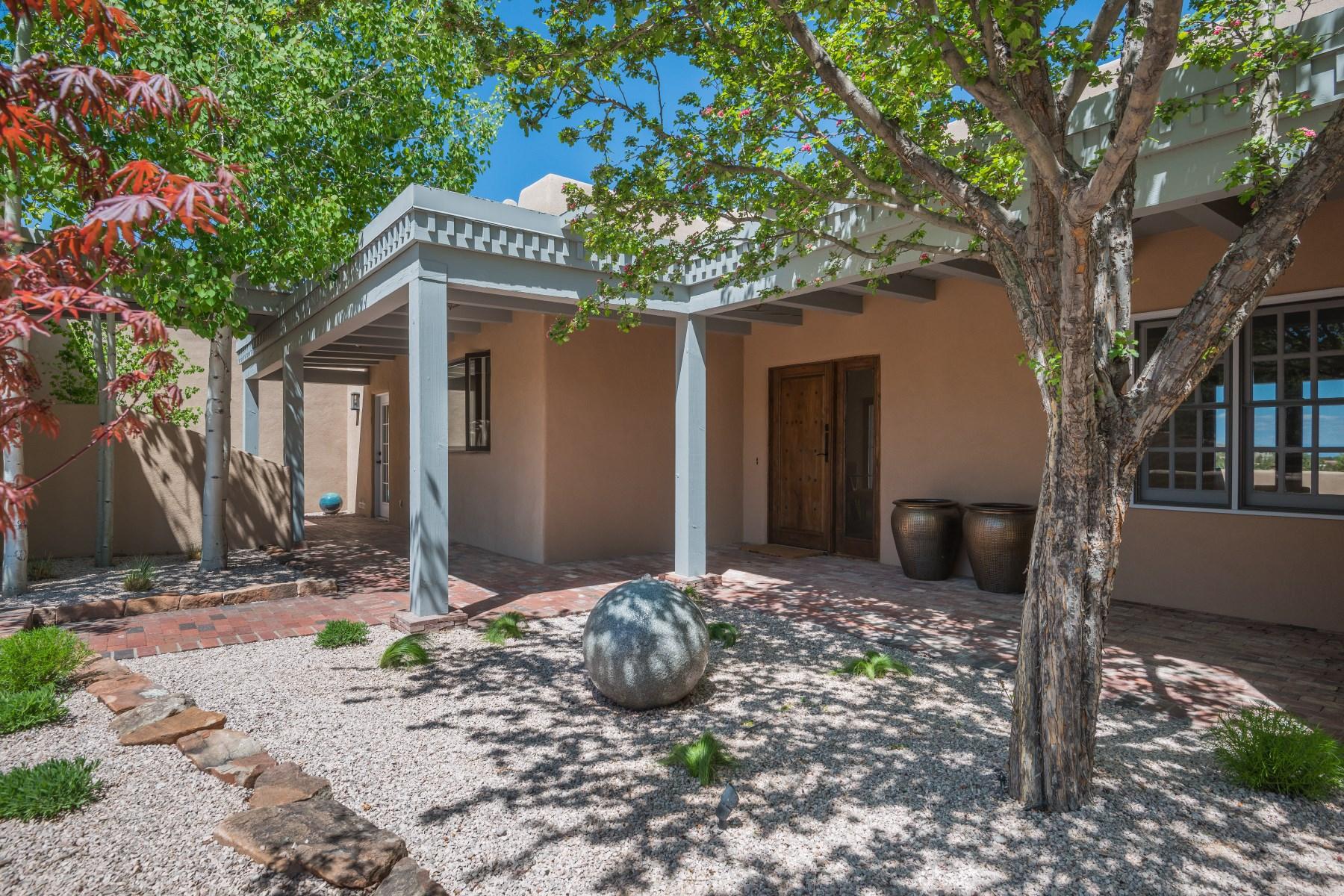 단독 가정 주택 용 매매 에 75 Avenida de las Casas Northwest Of City Limits, Santa Fe, 뉴멕시코, 87506 미국