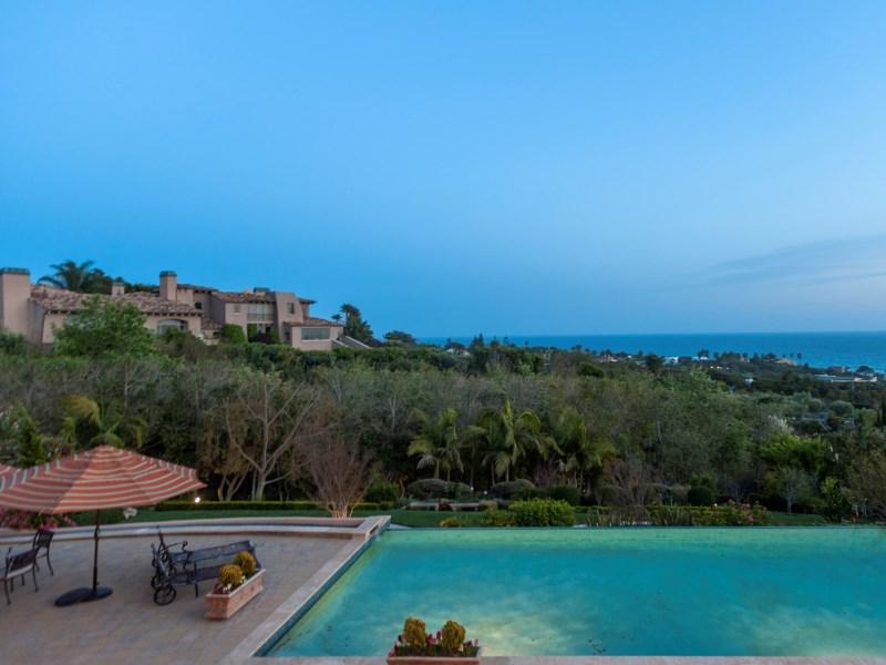 Moradia para Venda às Malibu's Tuscan Treasure 6322 Sea Star Drive Malibu, Califórnia 90265 Estados Unidos