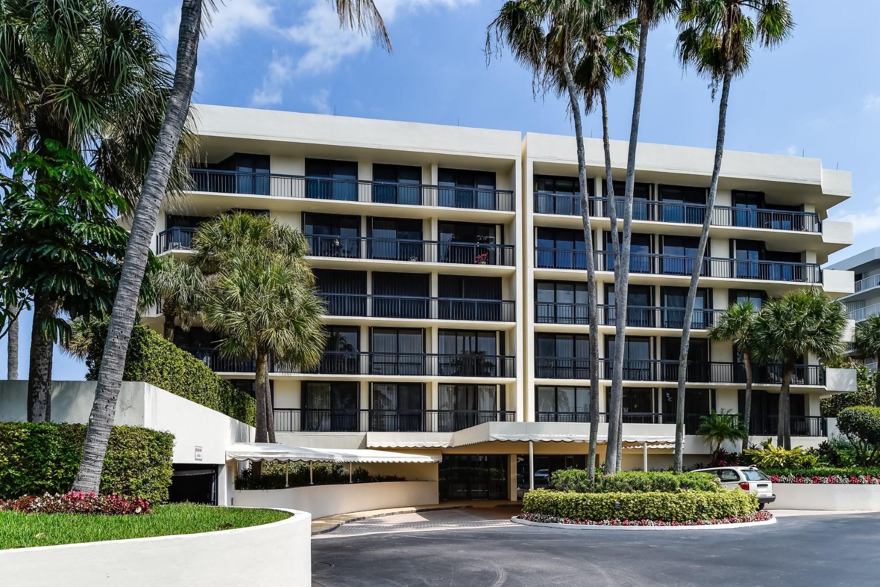 Condomínio para Venda às Carlton Place Condo - Palm Beach 3140 S Ocean Blvd # 106 Palm Beach, Florida 33480 Estados Unidos