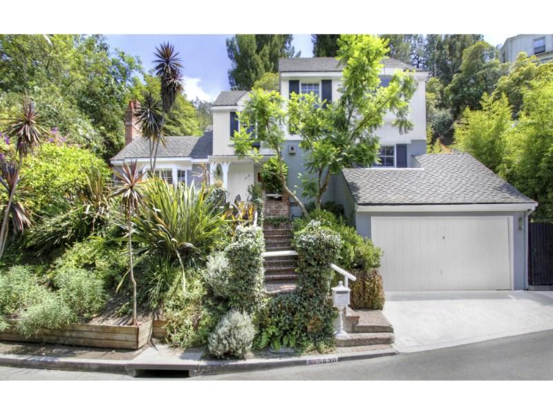 Частный односемейный дом для того Продажа на 5630 Spreading Oak Drive Los Feliz, Los Angeles, Калифорния 90068 Соединенные Штаты