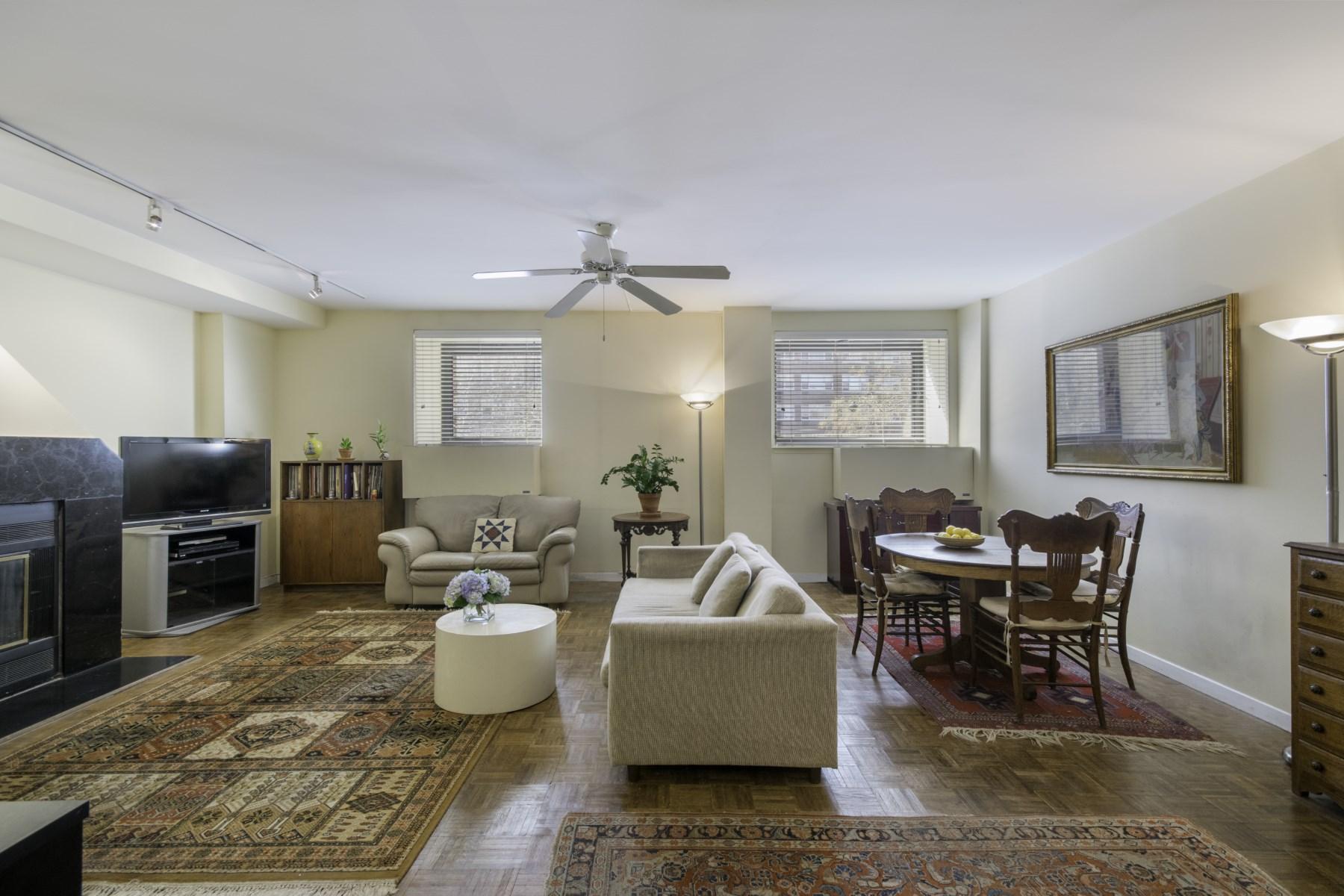 合作公寓 为 销售 在 196 Sixth Avenue, 2A 196 Sixth Avenue Apt 2A Soho, 纽约, 纽约州, 10013 美国