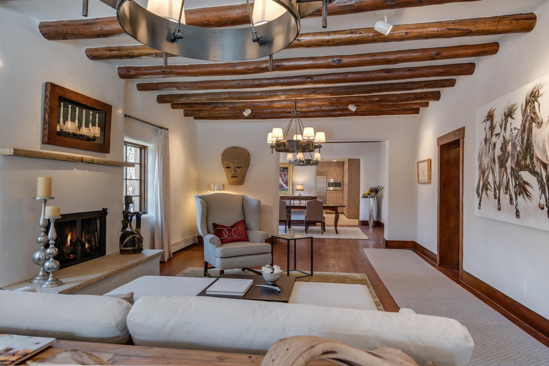Maison unifamiliale pour l Vente à 777 Acequia Madre Santa Fe, New Mexico 87505 États-Unis