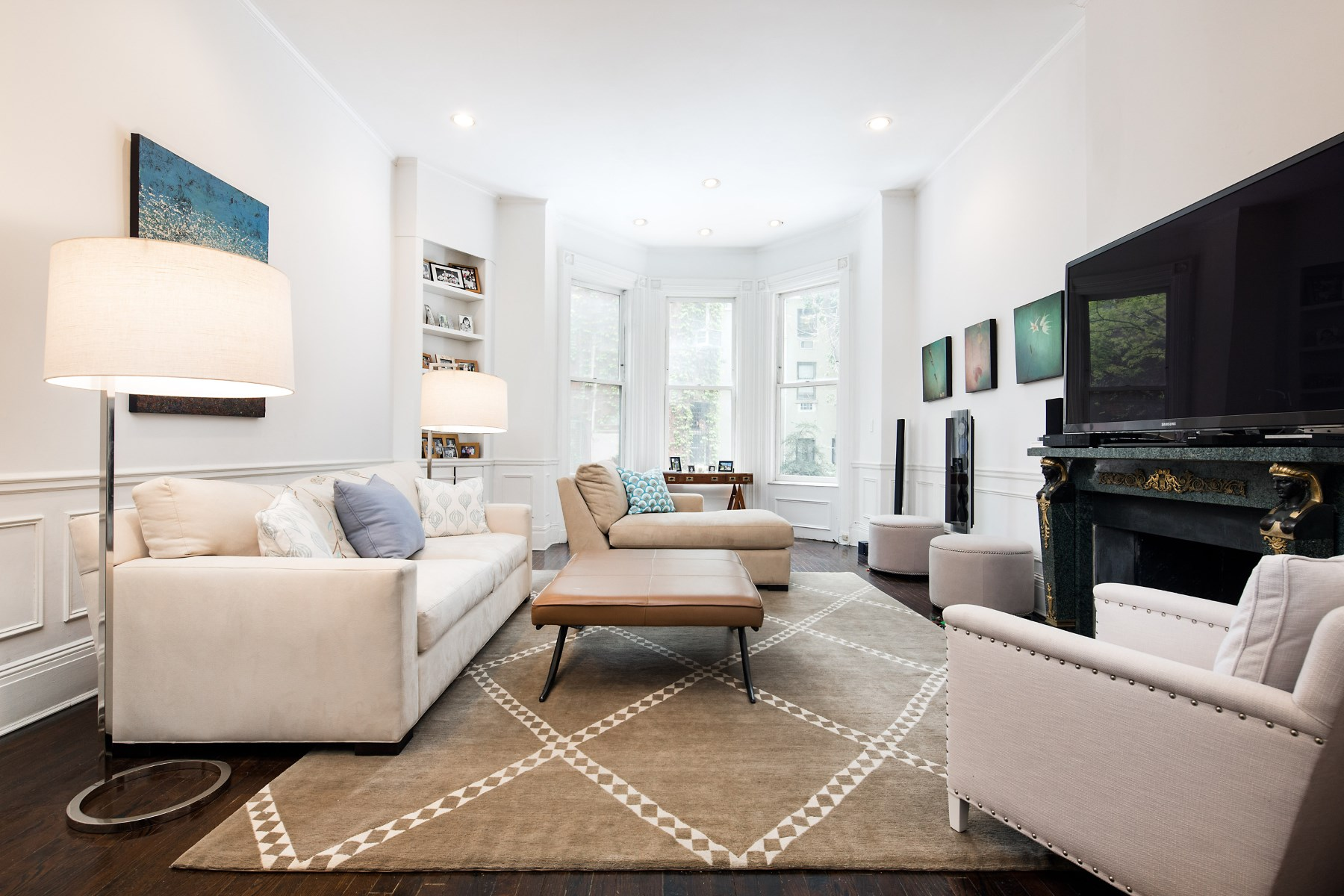 rentals property at 150 East 63rd Street