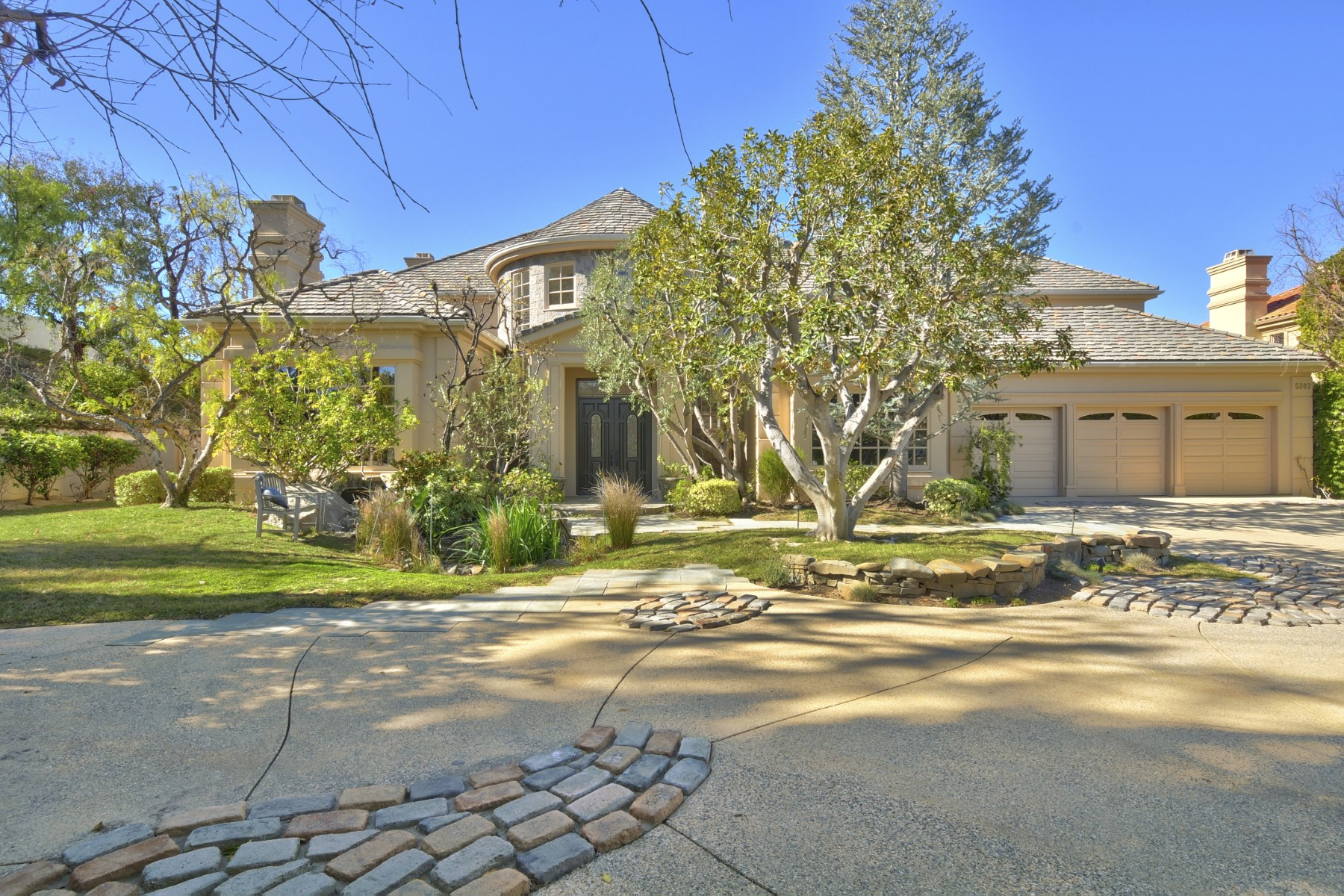 Single Family Home for Sale at Magical Mountain View Estates 5303 Enderby Court Calabasas, California 91302 United States