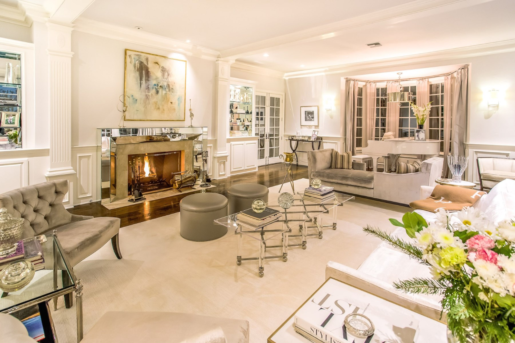 Single Family Home for Sale at Relax and Entertain 25067 Jim Bridger Road Calabasas, California 91302 United States
