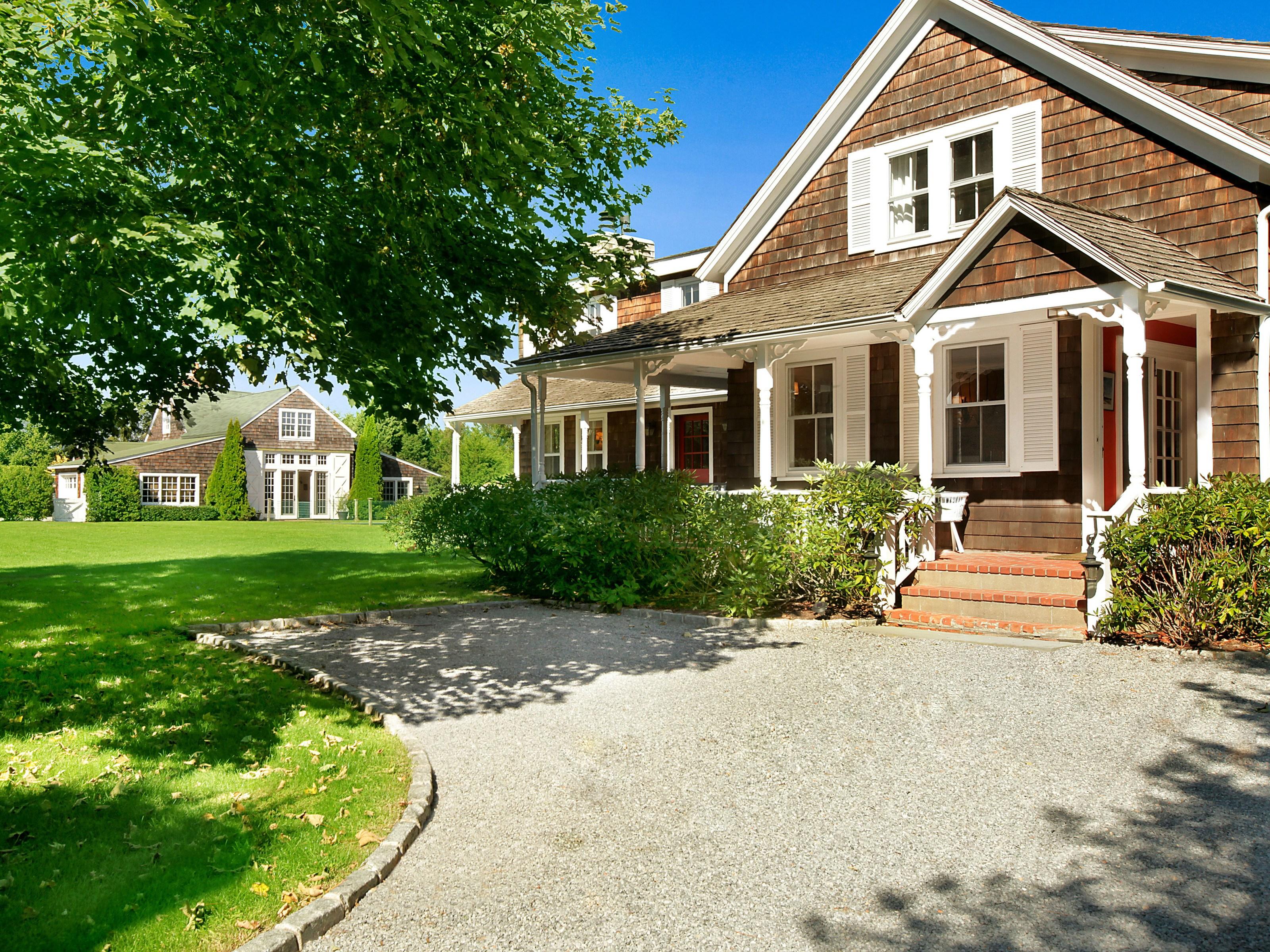 단독 가정 주택 용 임대 에 1780s Renovated Bridgehampton Farmhouse Bridgehampton North, Bridgehampton, 뉴욕 11932 미국