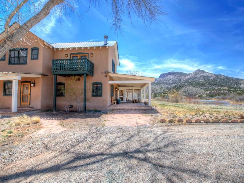Nông trại / Trang trại / Vườn vì Bán tại 21547 Highway 84 Abiquiu, New Mexico 87501 Hoa Kỳ