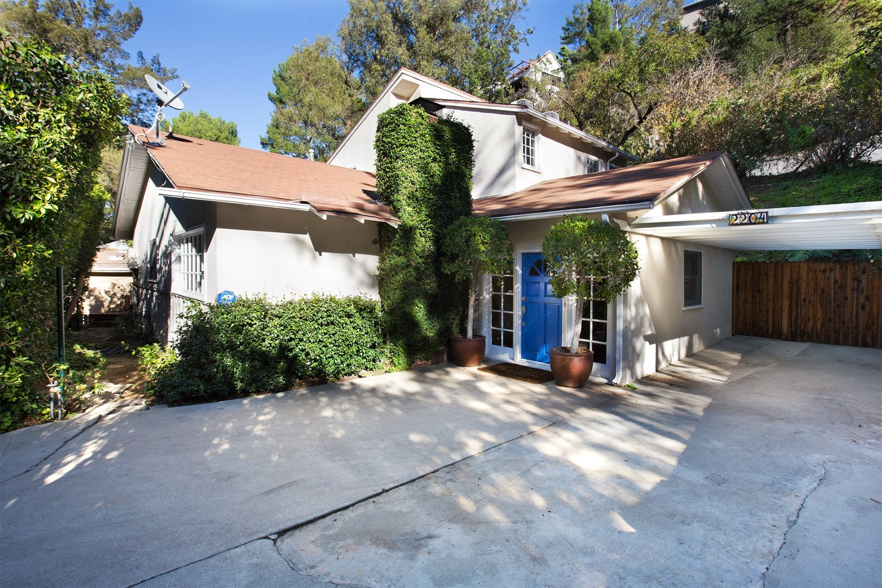 獨棟家庭住宅 為 出售 在 Vintage Elegance in Laurel Canyon 2204 Stanley Hills Drive Hollywood Hills, Los Angeles, 加利福尼亞州 90046 美國