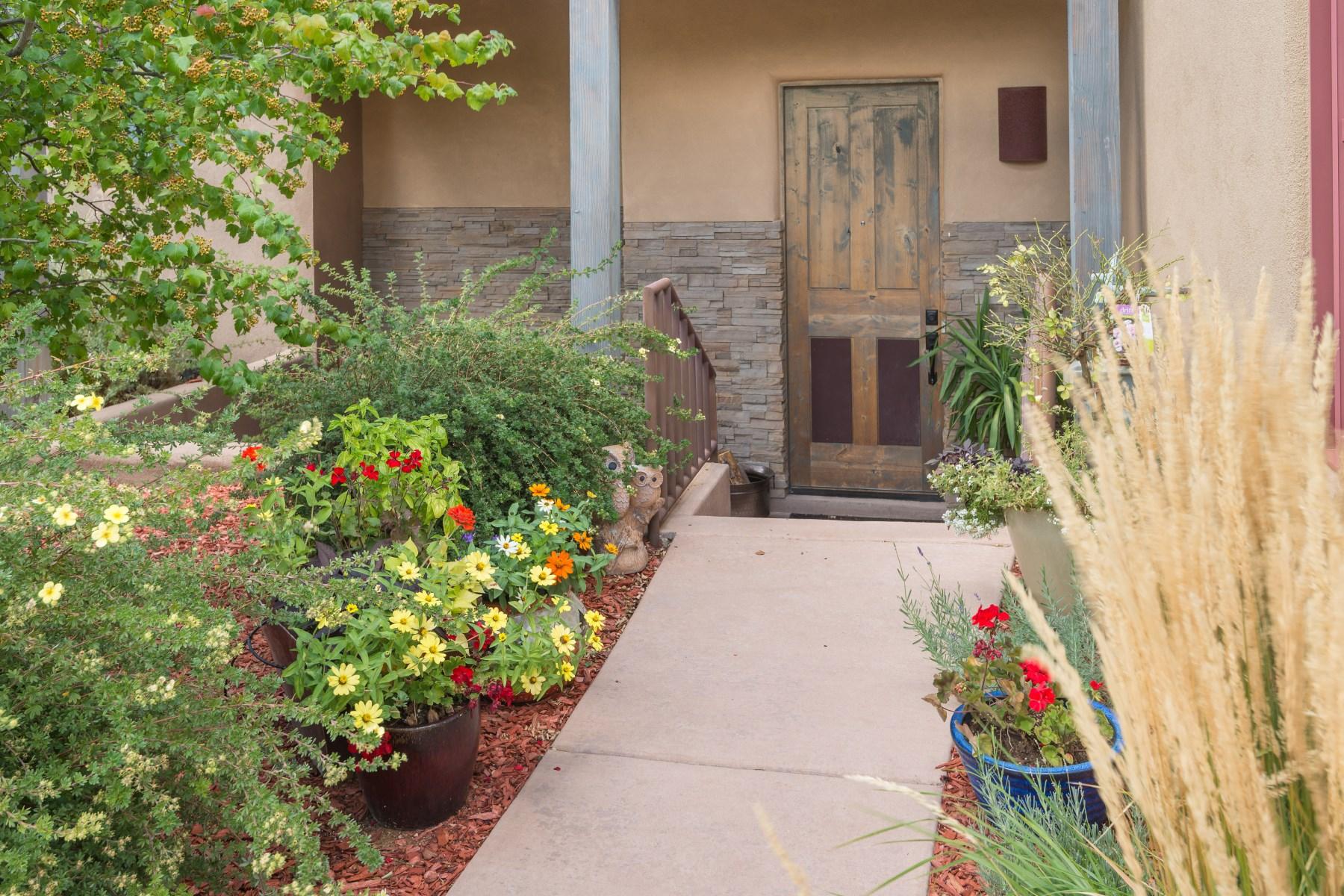 獨棟家庭住宅 為 出售 在 1616 Villa Strada Santa Fe, 新墨西哥州, 87506 美國