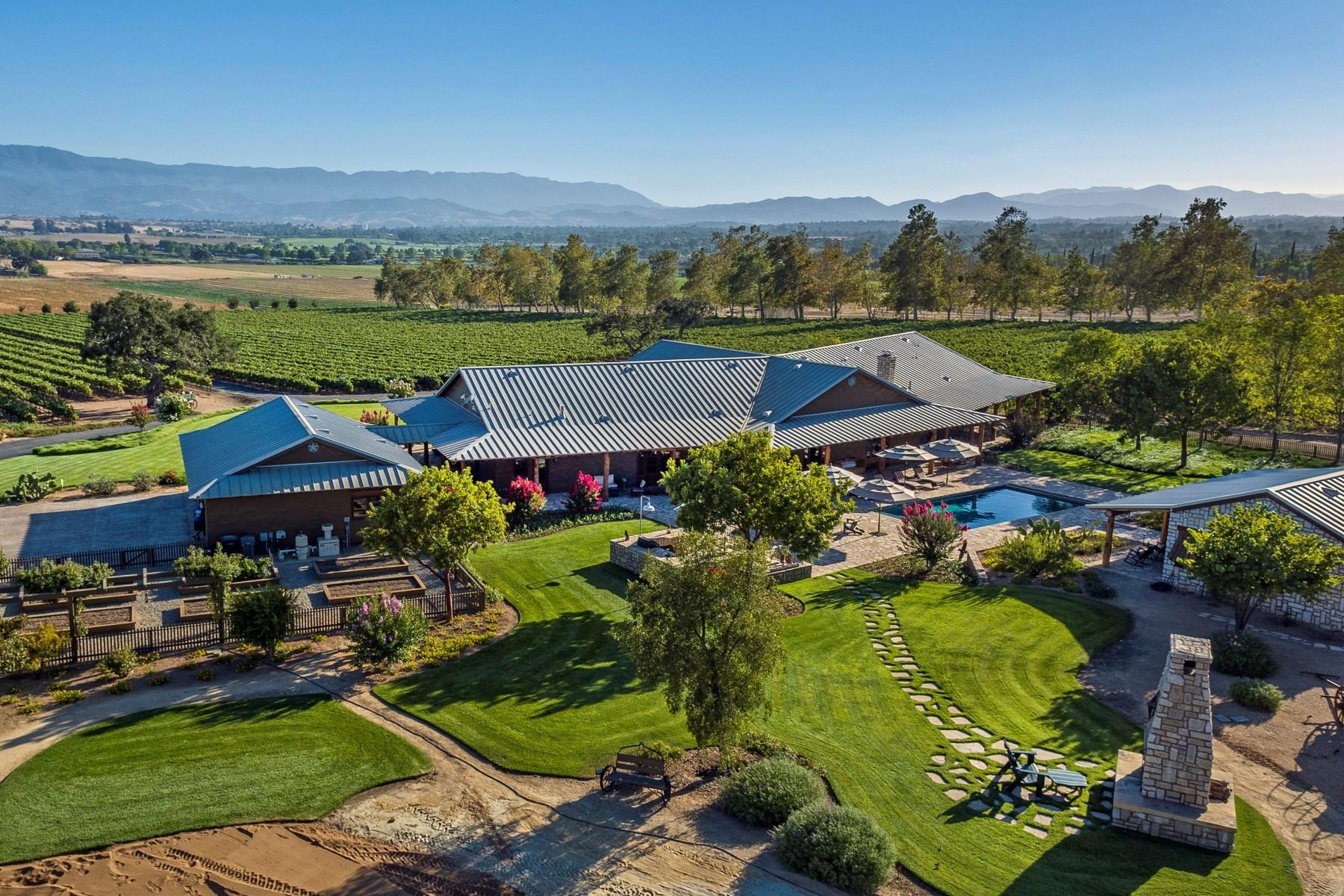 Виноградник для того Продажа на Vineyard View Ranch 4145 Roblar Avenue Santa Ynez, Калифорния, 93460 Соединенные Штаты