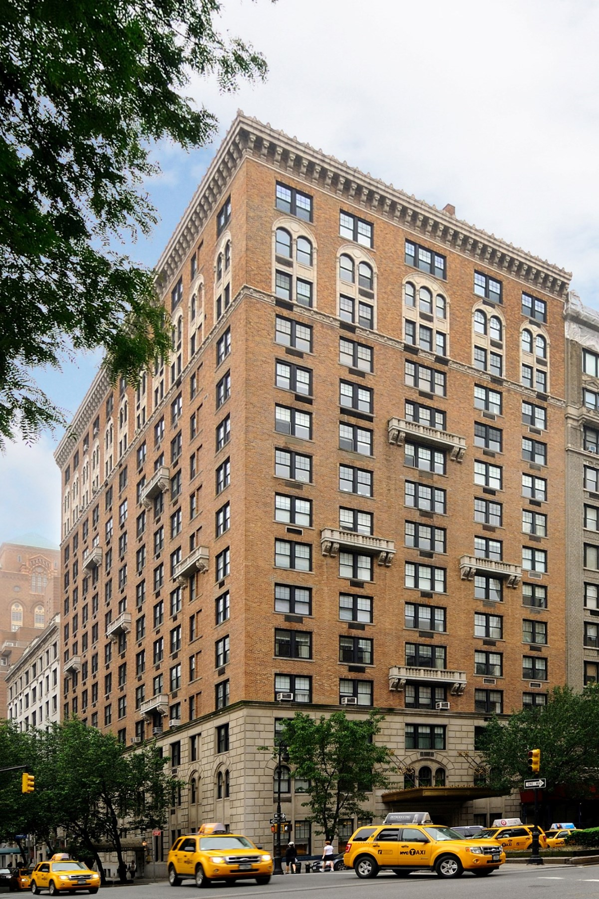 Coopérative pour l Vente à 575 Park Avenue, Apt 1405 575 Park Avenue Apt 1405 New York, New York 10065 États-Unis