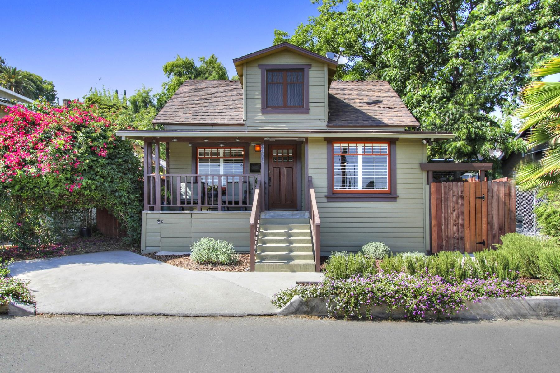 Частный односемейный дом для того Продажа на 5923 Weaver Lane Highland Park, Los Angeles, Калифорния, 90042 Соединенные Штаты