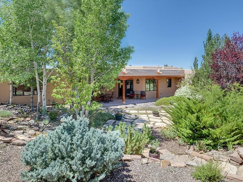 Maison unifamiliale pour l Vente à 1007 Sierra Del Norte Santa Fe City Northeast, Santa Fe, New Mexico 87501 États-Unis