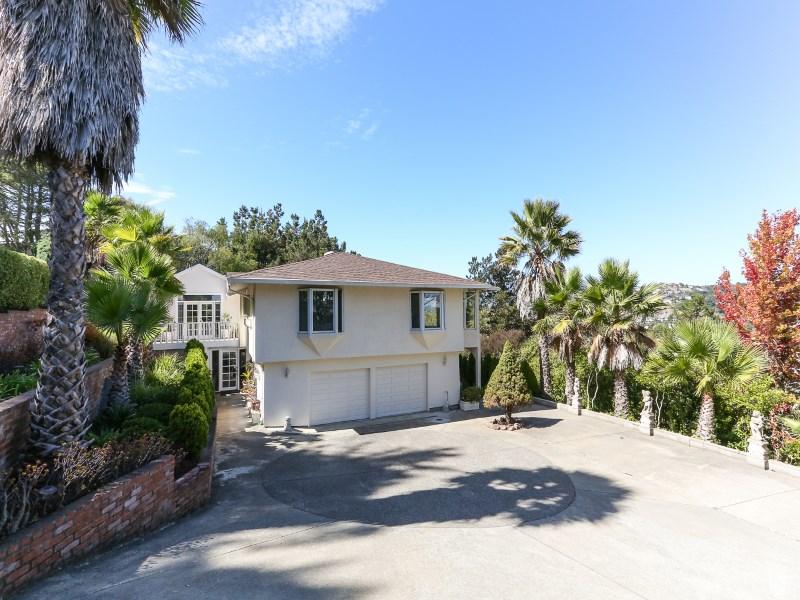 Nhà ở một gia đình vì Bán tại 4 Southridge Road West 4 Southridge Rd W Tiburon, California 94920 Hoa Kỳ