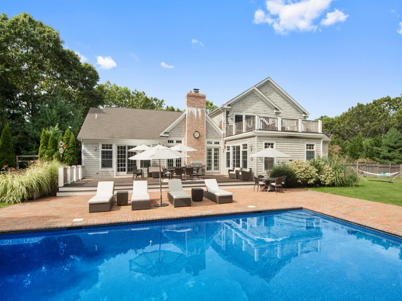 Maison unifamiliale pour l Vente à Elegant Post Modern East Hampton, New York 11937 États-Unis
