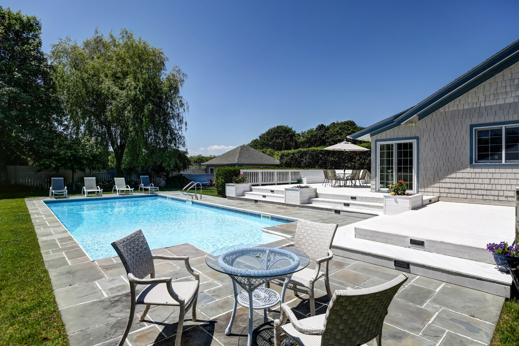 Property Of Bridgehampton Village- Convenient to