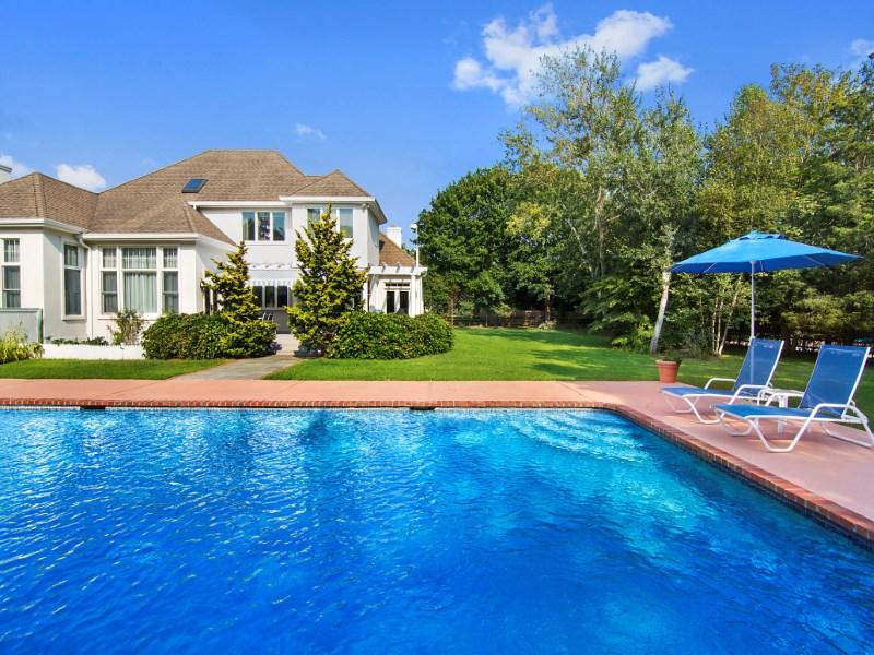 Maison unifamiliale pour l Vente à Southampton Village Family Estate 624 Hill Street Southampton, New York 11968 États-Unis