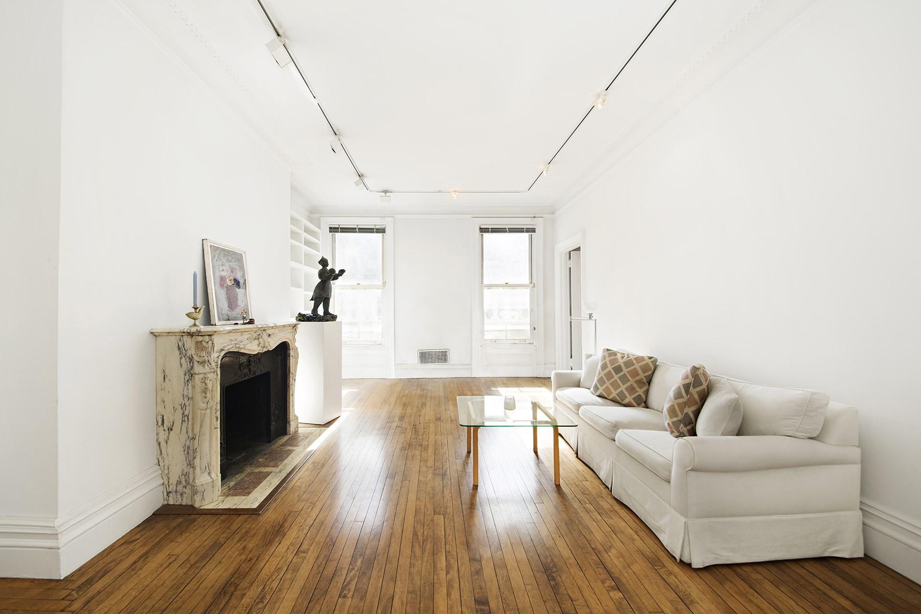 Société civile immobilière pour l Vente à 11 East 73rd Street, Apartment 4B Upper East Side, New York, New York, 10021 États-Unis