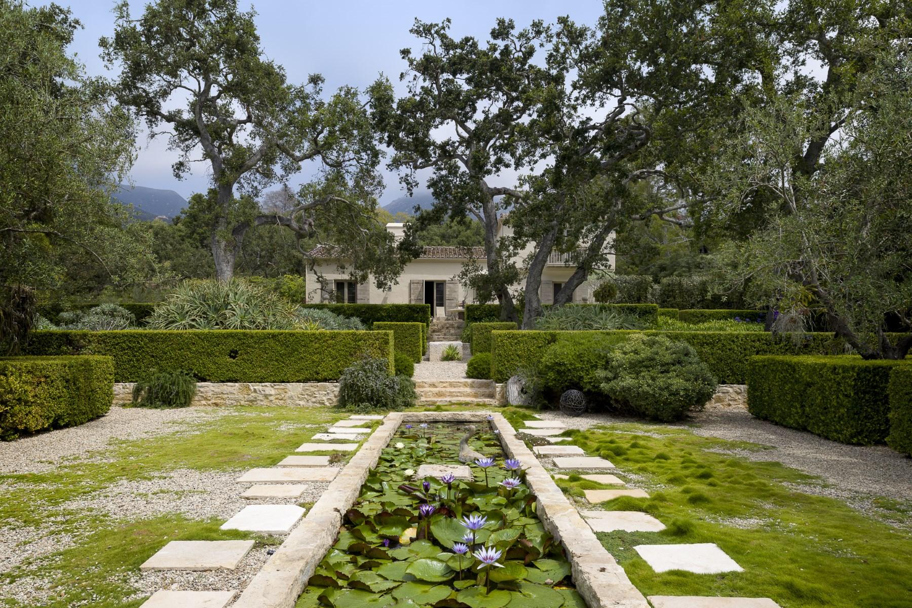 Частный односемейный дом для того Продажа на Montecito Pied-A-Terre 655 El Bosque Road Montecito - Upper Village, Montecito, Калифорния, 93108 Соединенные Штаты