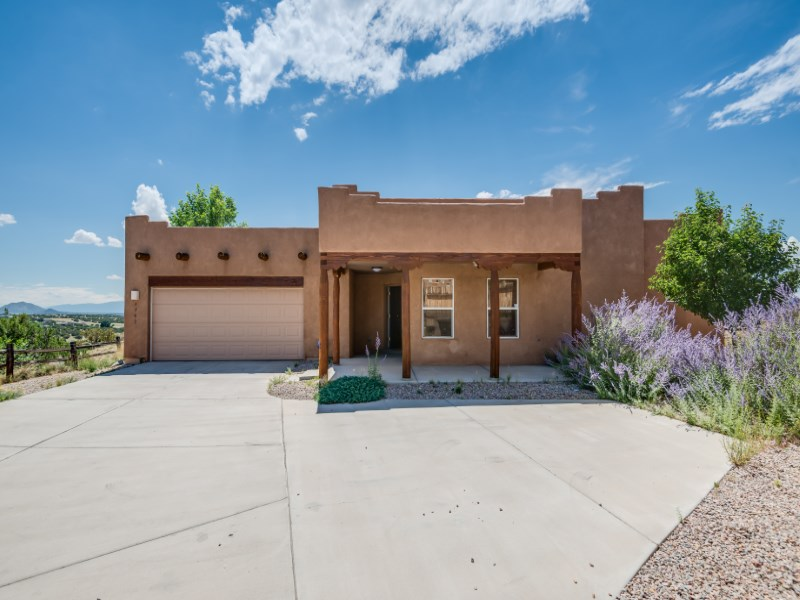 Single Family Home for Sale at 4752 Via Verde Court Santa Fe City Southwest, Santa Fe, New Mexico 87507 United States