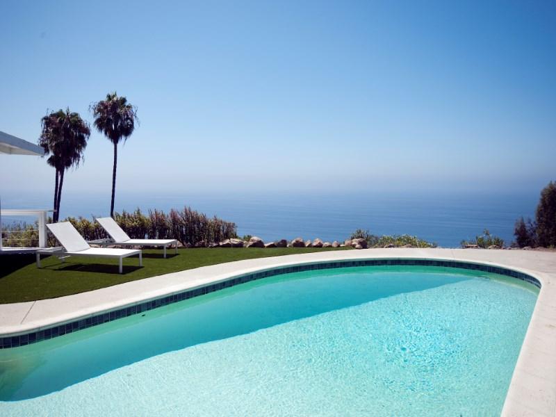 Moradia para Venda às Mid Century with Ocean Views 20647 Seaboard Drive Malibu, Califórnia 90265 Estados Unidos