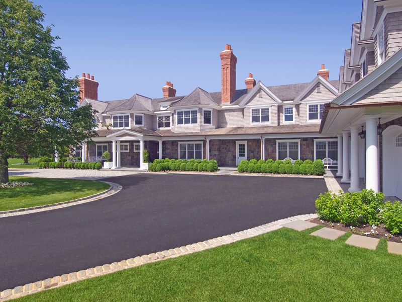 Single Family Homes for Rent at Sandcastle Bridgehampton, New York 11932 United States