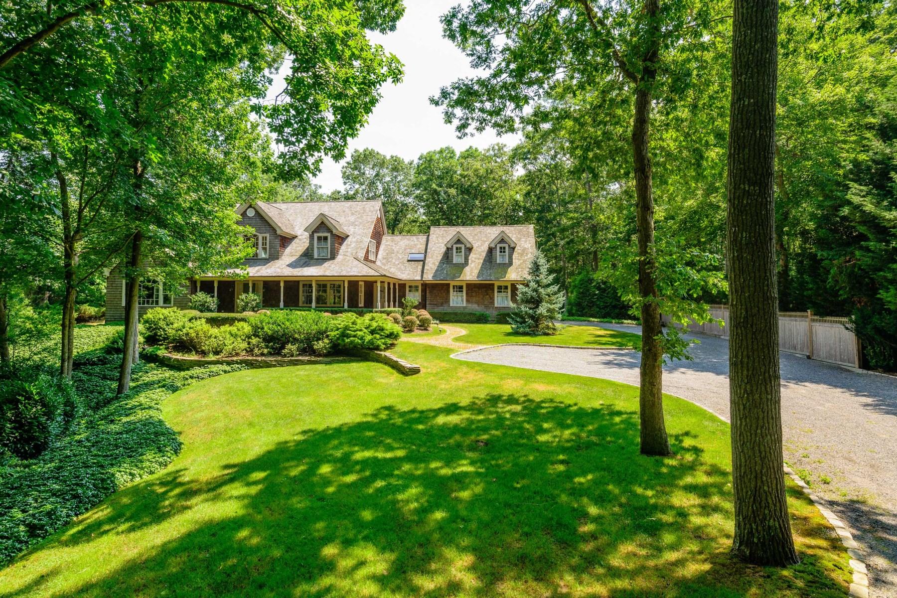 Nhà ở một gia đình vì Bán tại Beautiful Home on Bridge Hill 19 Bridge Hill Lane Bridgehampton, New York 11932 Hoa Kỳ